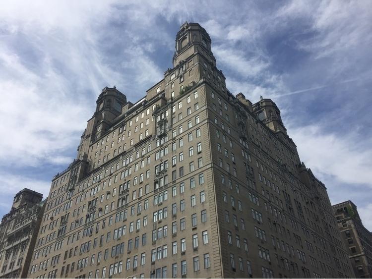 NYC - thevanpirechronicles | ello