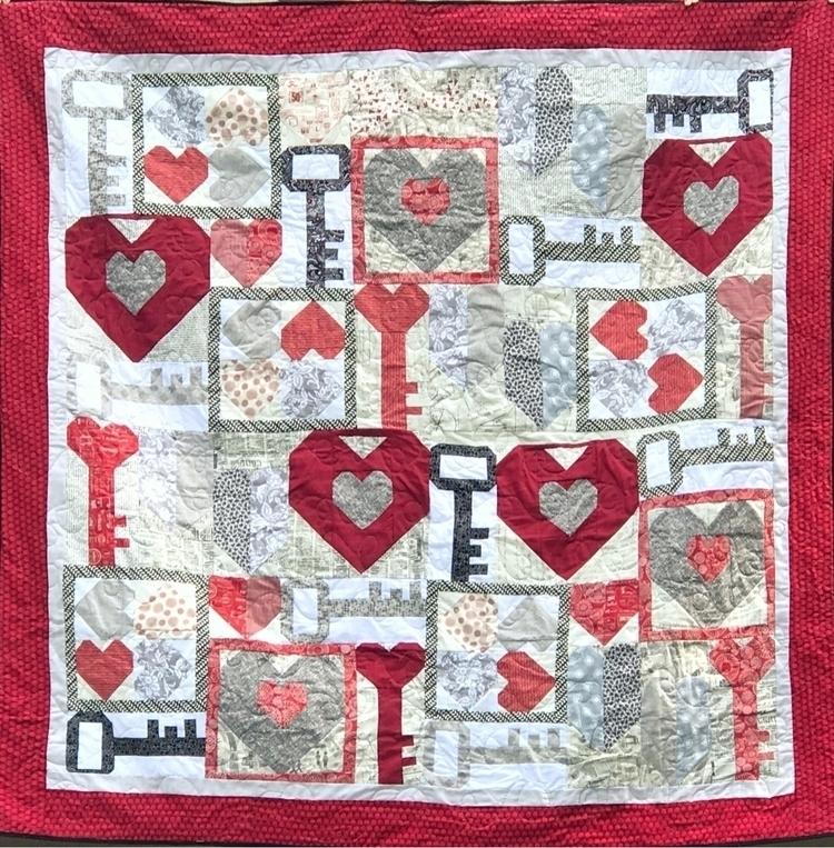 Show loved - love, keytoyourheart - zabesquilts | ello