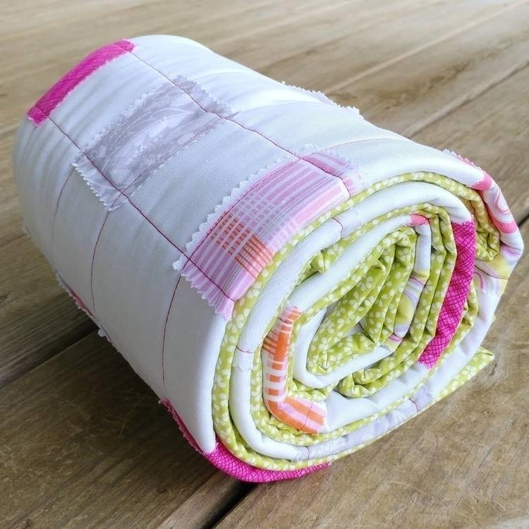 Sharing super quick baby quilt  - sliceofpiquilts | ello