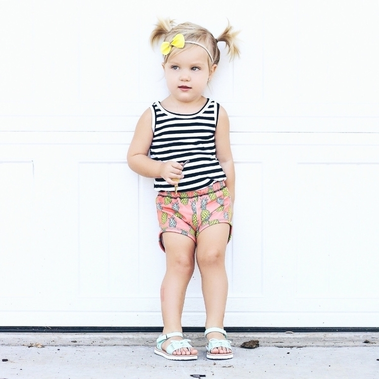 Pineapple rompers - littleteepeedesigns | ello
