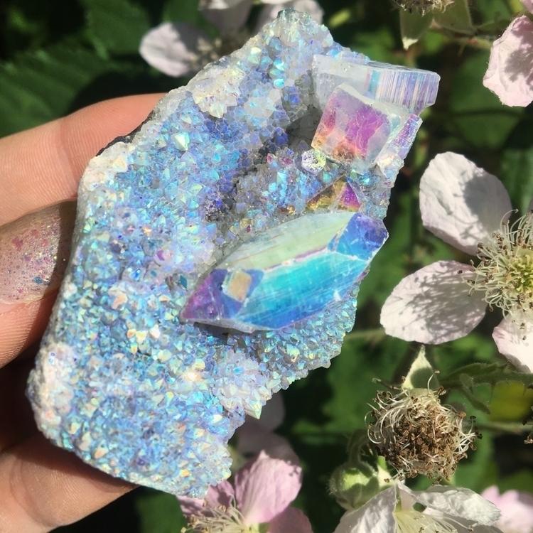 Gorgeous angel aura zeolite - ellocrystals - midnightauracrystals | ello