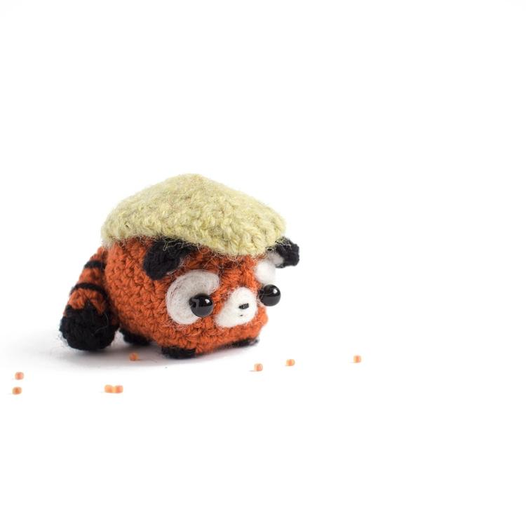 Amigurumi day 12 - red panda sp - mohu | ello