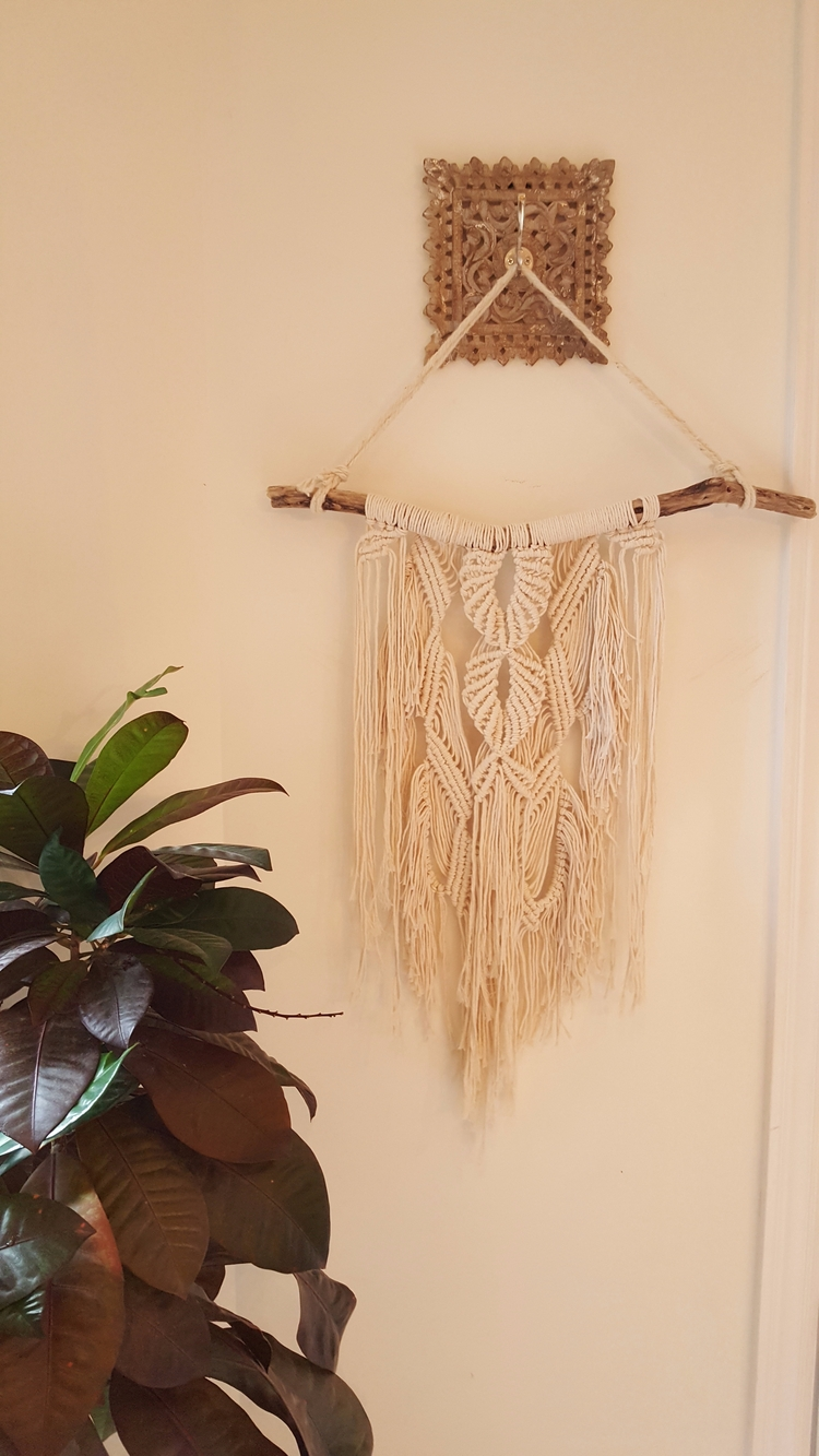 wall hanging Frieda - woodrowandco | ello