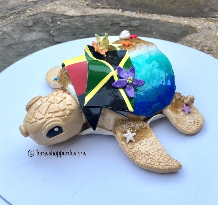 realized posted pics sea turtle - lilgrasshopperdesigns | ello