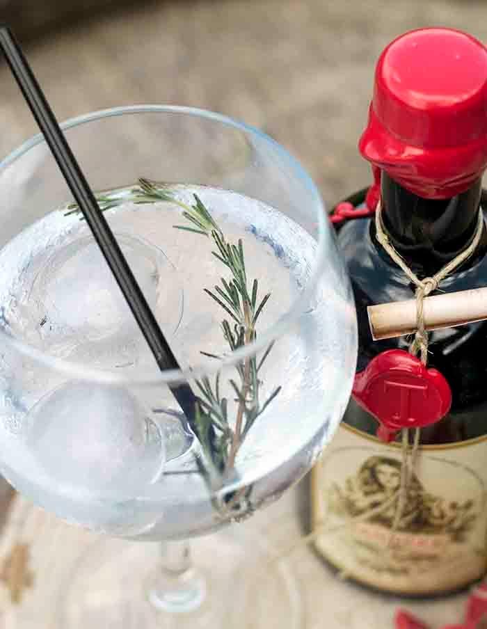 Tanneke Gin London Dry gin inte - gincubator | ello