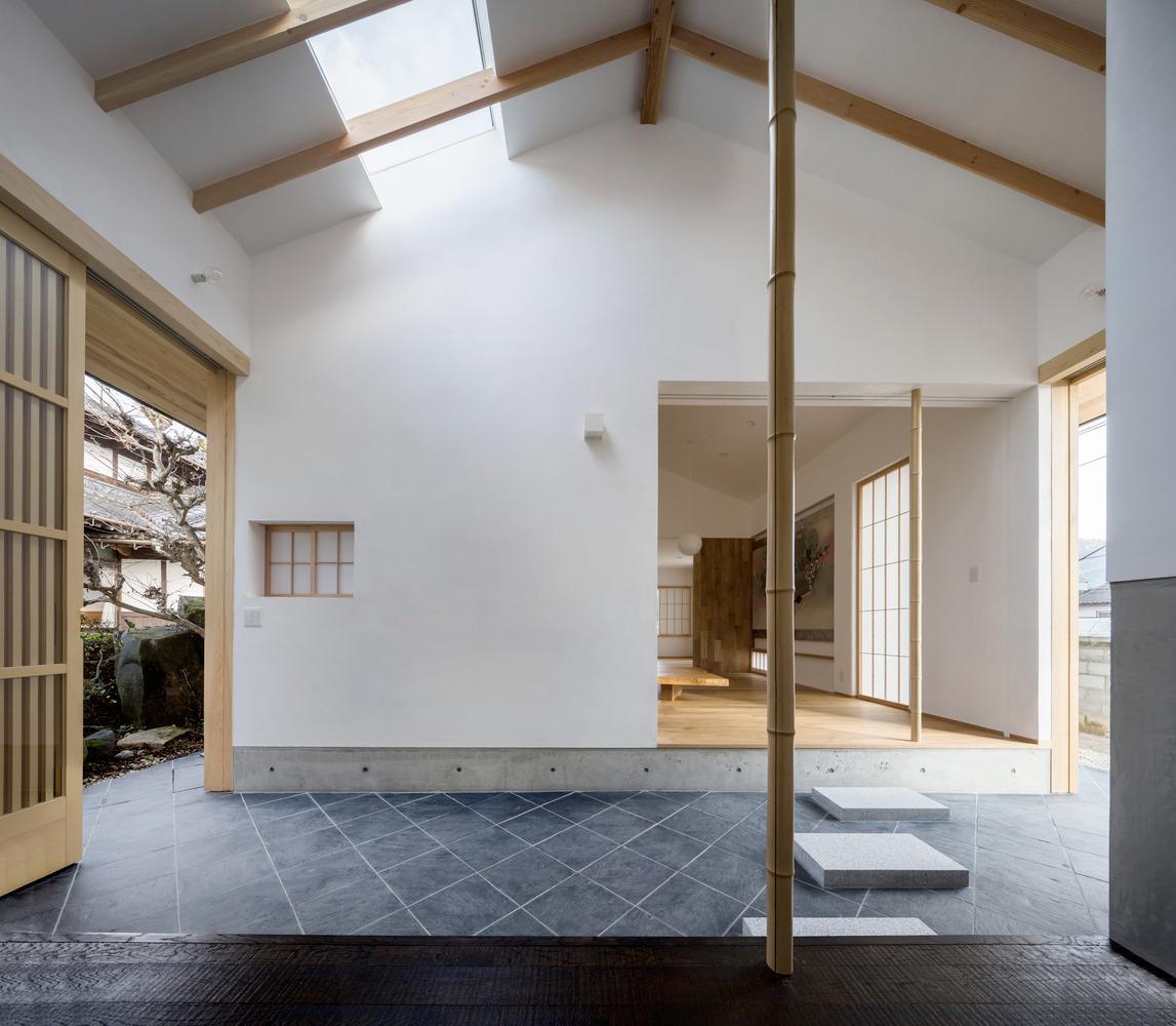 Weekend House Kumano-cho / Arak - red_wolf | ello
