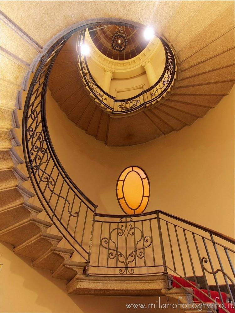Milan (Italy): Staircase Serbel - milanofotografo   ello