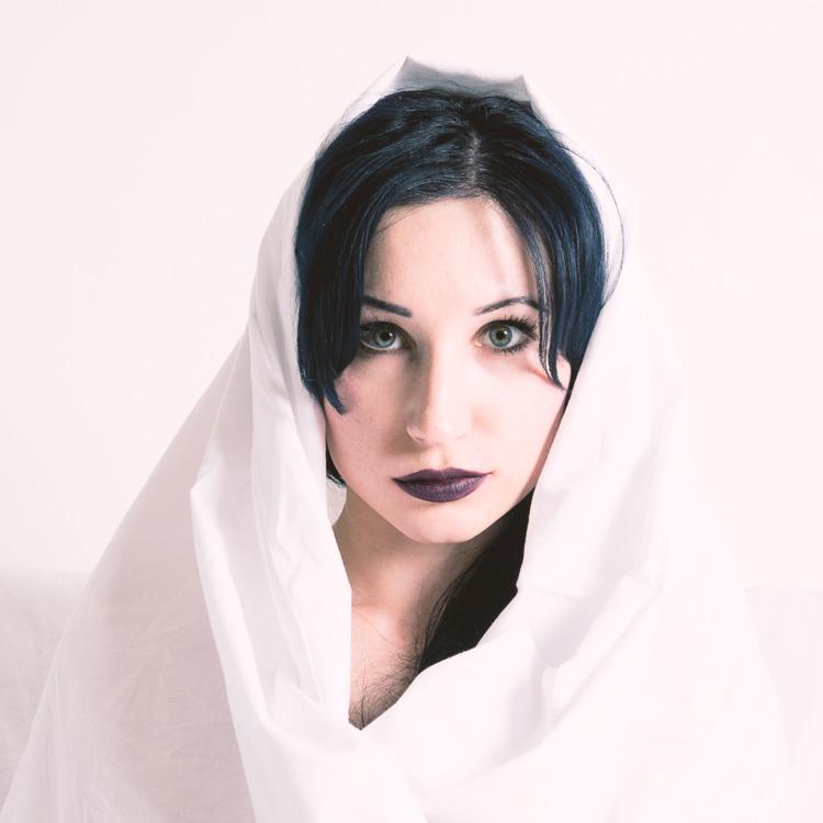 Karina - portrait - garethwi | ello