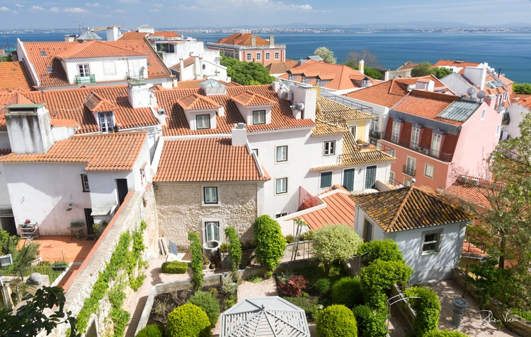 Lisbon, Portugal - rubenv | ello
