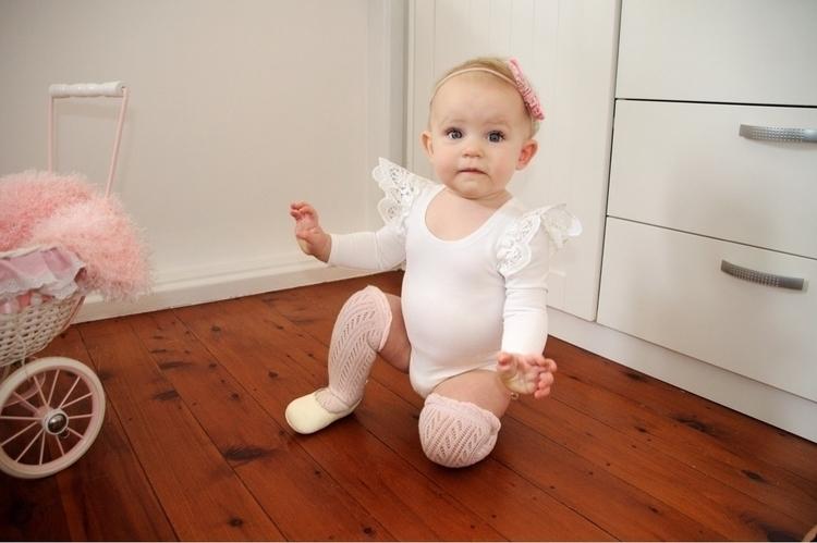 Big cutie wearing wings bow bal - tegiozzplustwo | ello