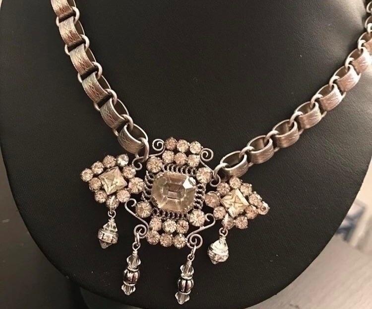 Majesty. simple pendant vintage - lilolainspired | ello