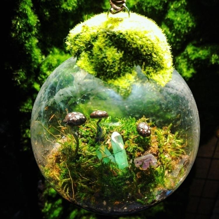 Moss orb - moss, mushroom, crystals - clovermoon | ello
