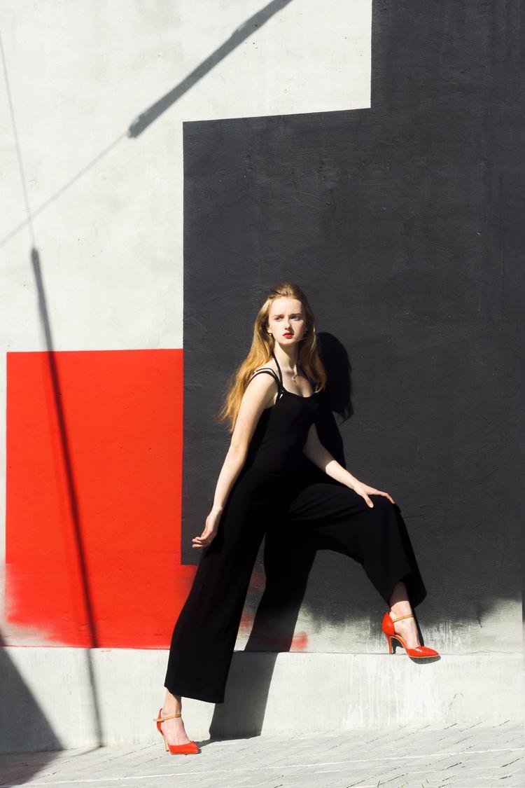 LINE Composition - line, color, red - svitlanayershova | ello