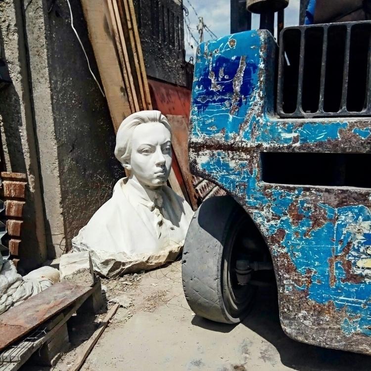 crimea, urbanfoto, statue, blue - kormin | ello