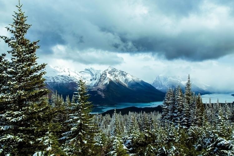 **Maligne Lake, Jasper, Canada - papa_delta | ello