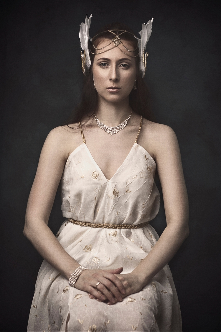 Photographer: Marthonee Padua  - darkbeautymag | ello