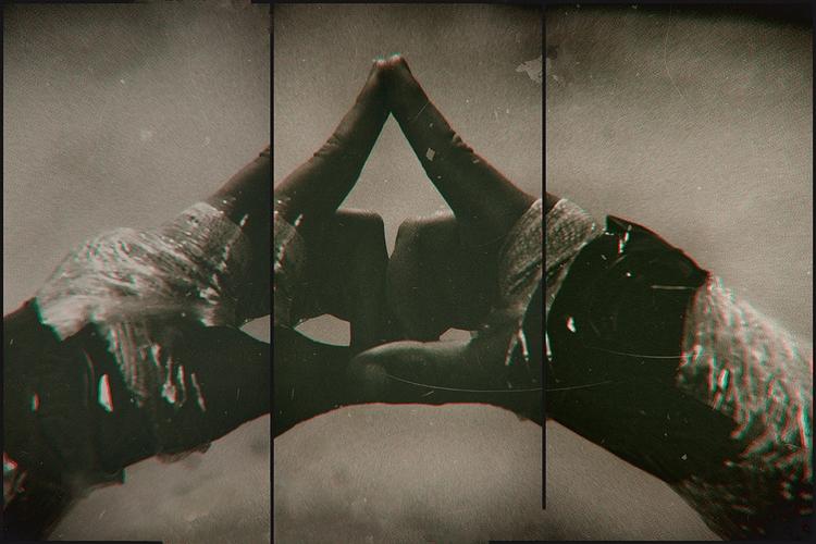 1776 - sacred, triangle, sign, hands - gr4y1nu | ello