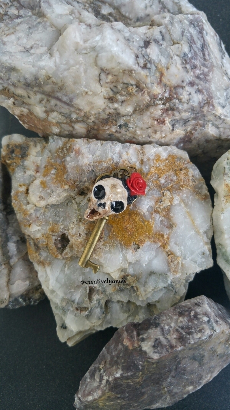 Screaming Skull key pendant! Ne - creativelyangie | ello