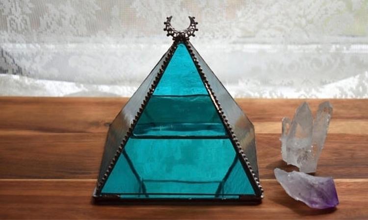 Pyramids 🖤 - pyramid, jewelry, stashbox - wickedstainedglass | ello