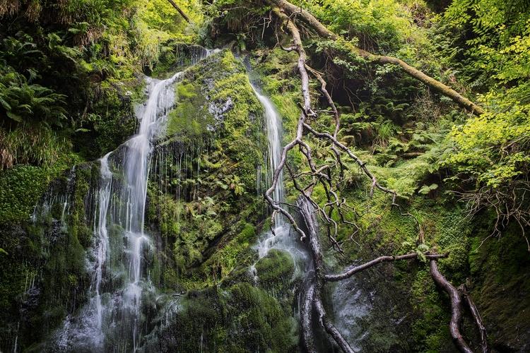 Dhoon Glen Waterfall, Isle Man - bradverts | ello