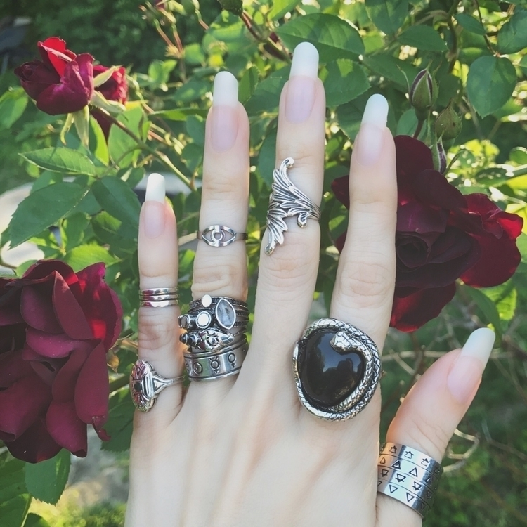 Rings Day.  - rotd, ringsoftheday - evil_pawn_jewelry | ello