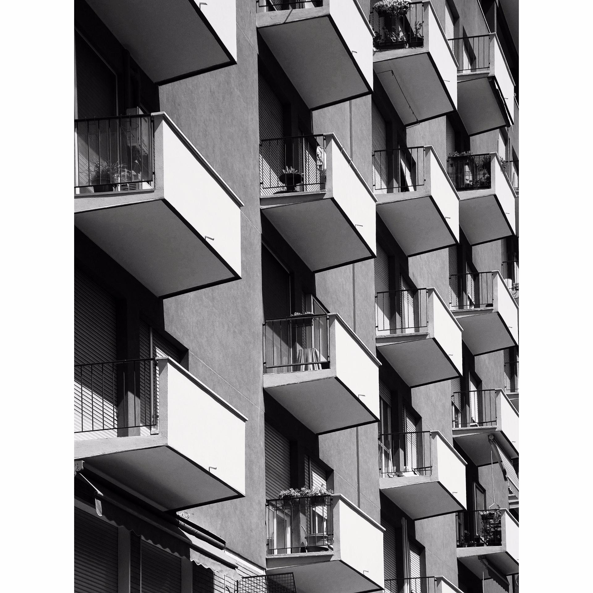 Linear//distorted - architecture - matildes | ello