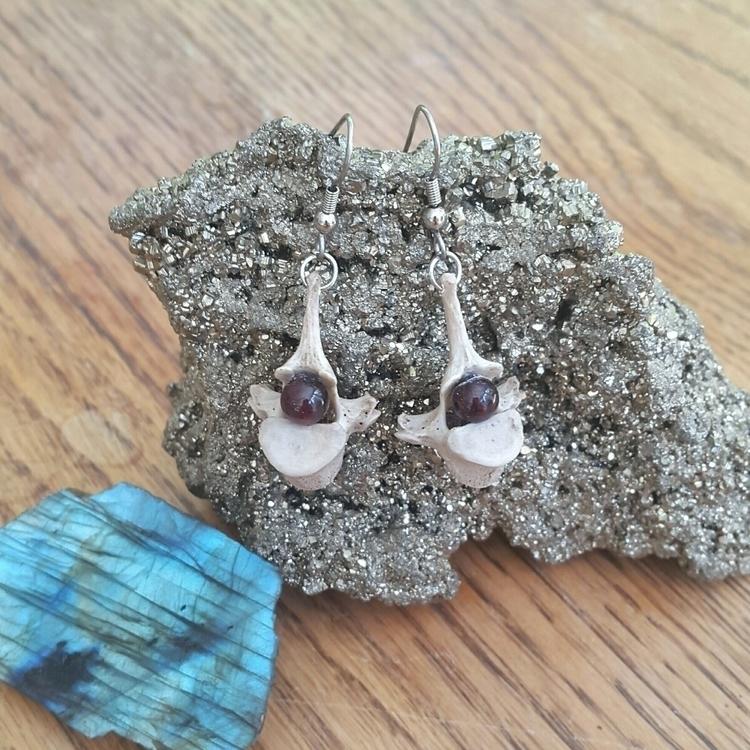 beautiful drop earrings pair na - artbywolves   ello