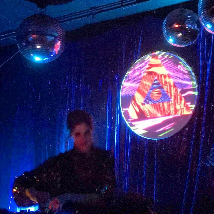 Watch latest dj set Naveluna Cl - m_wonder | ello