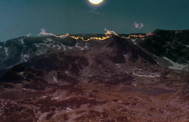 everlasting light - sun, mountain - coldd_desert   ello
