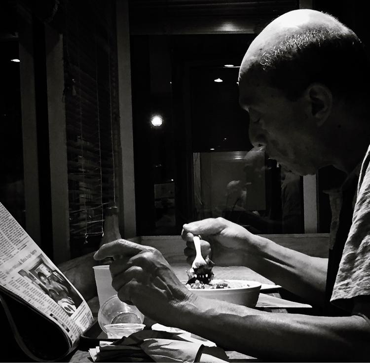 Street side eatery - photography - jmoscoso | ello