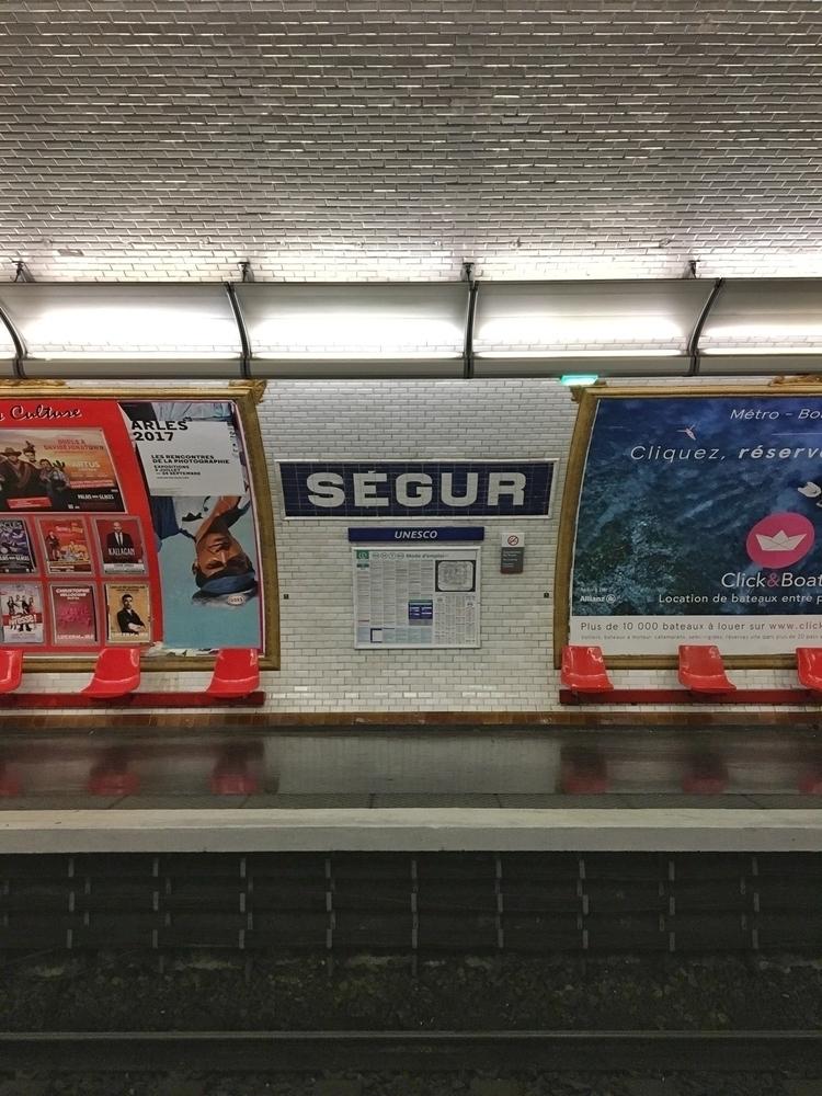 Métro - Ségur, Paris - rowiro | ello