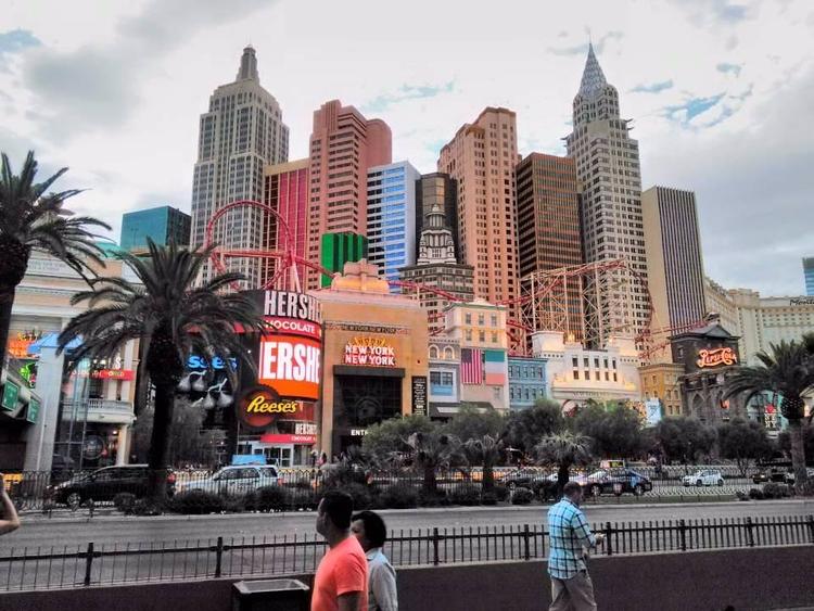York Las Vegas - markpain | ello