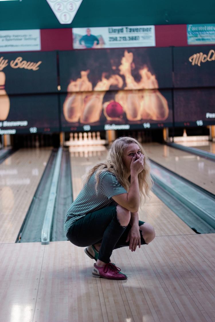 Laughing TERRIBLE bowling. Side - kirschhhh | ello