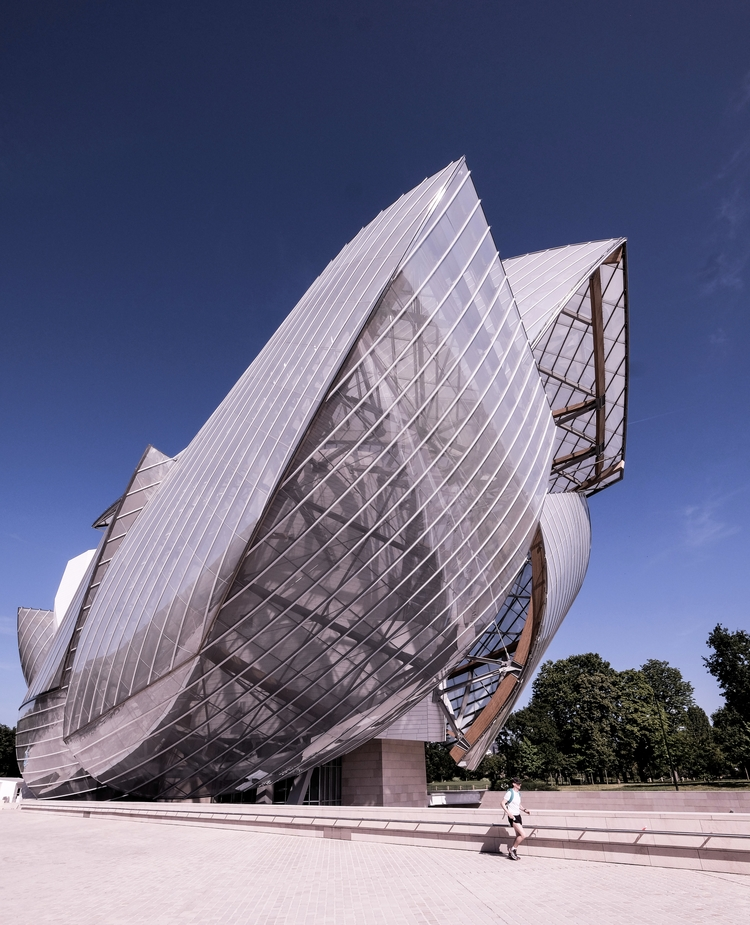 Gehry, overdoing Foundation Lou - danhogman | ello