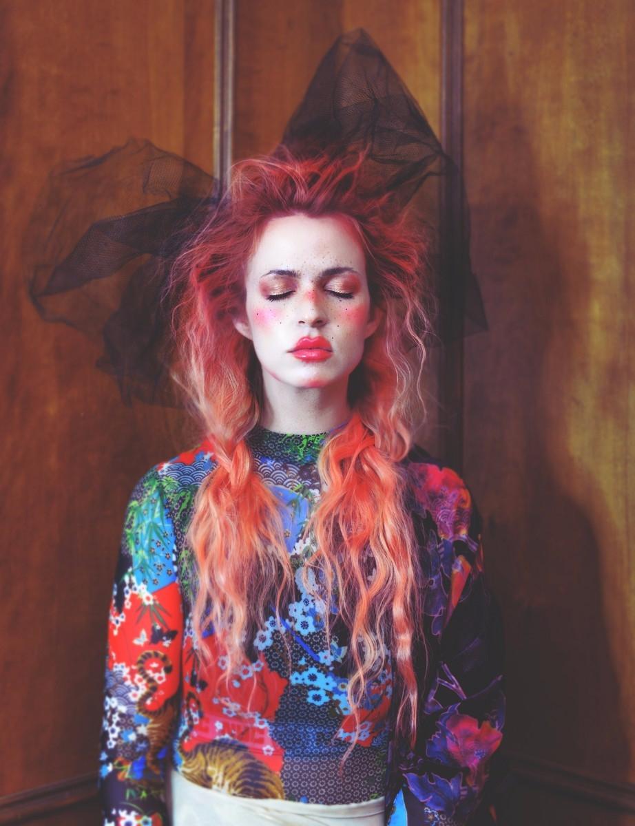 Photographer/Hair/Makeup: Melis - darkbeautymag | ello
