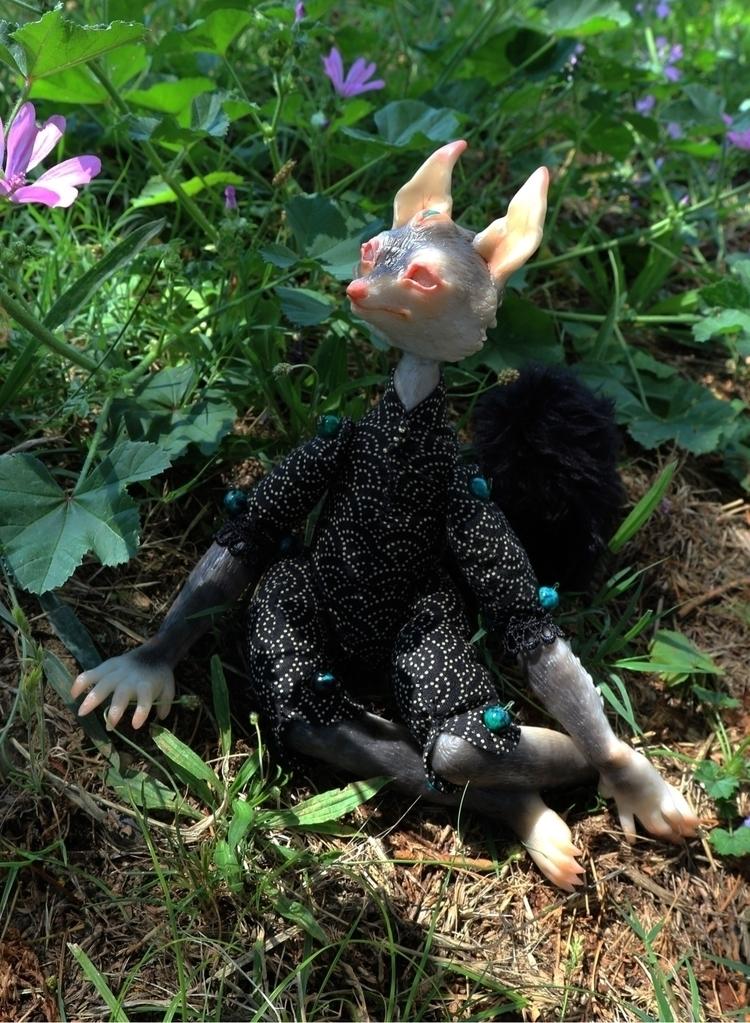 Atiya open doll commissions ! C - skeenep | ello