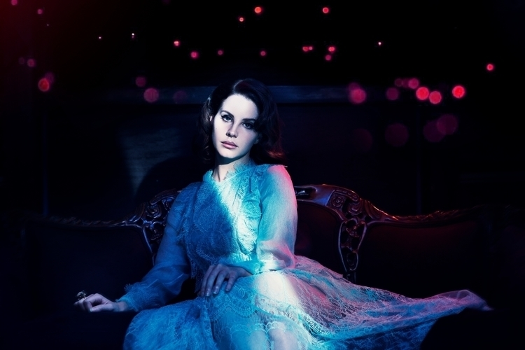 Lana Del Rey, Hollywood, 2017 - tsaccenti | ello