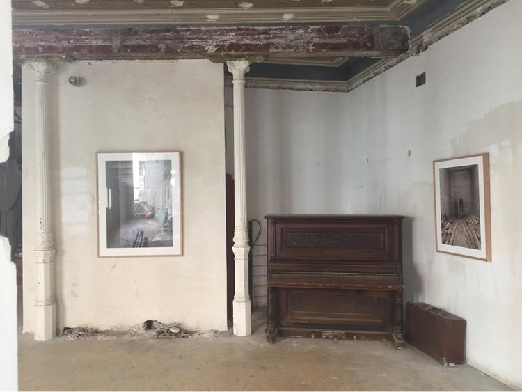 Ruines places - sarusky | ello