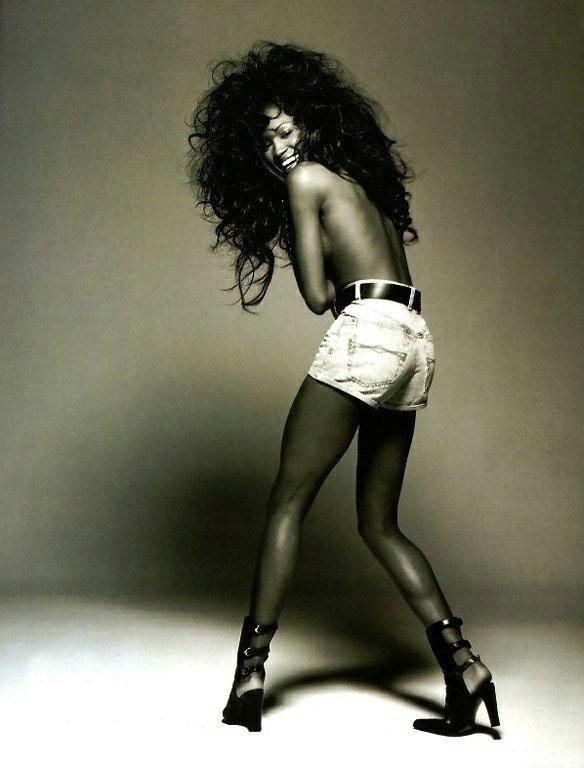 Naomi Campbell !#SundayBunday  - robogiggles   ello