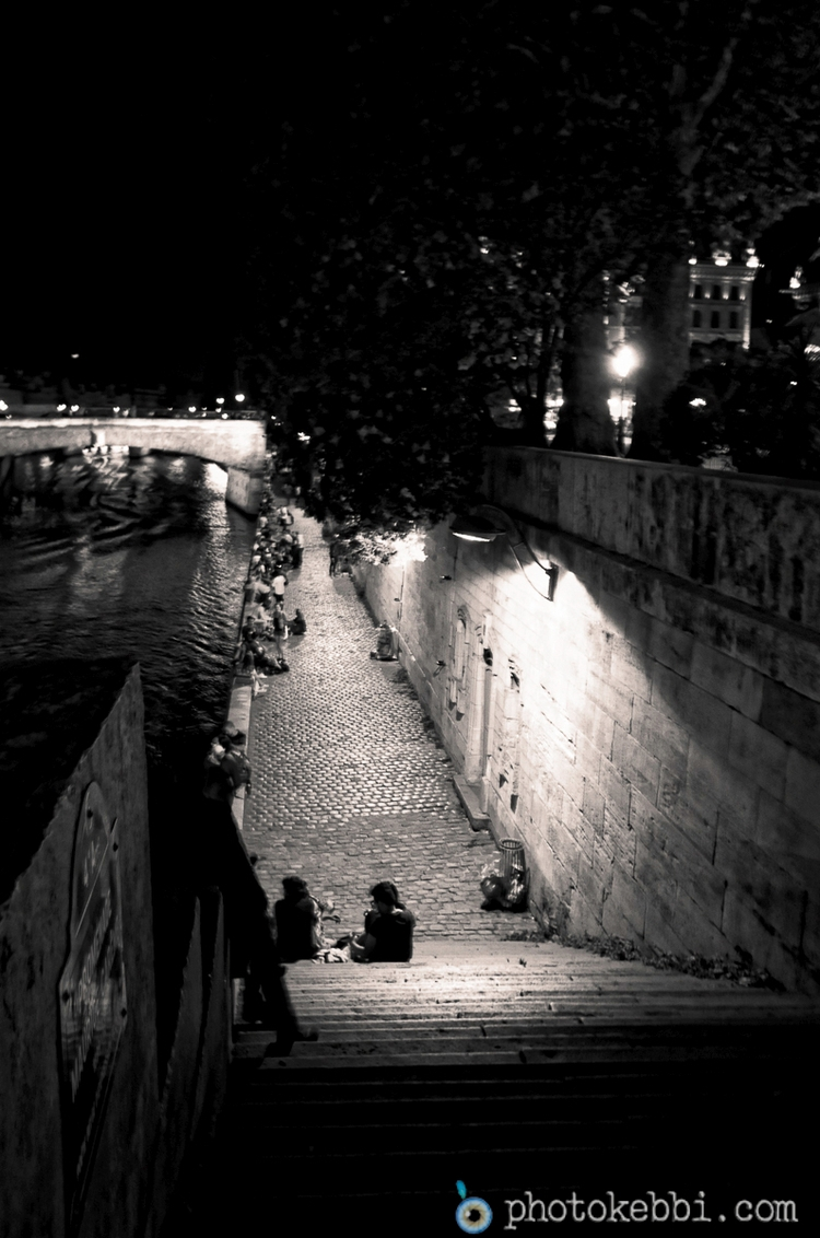 Paris Night - nightphotography, blackwhite - rkebbi | ello
