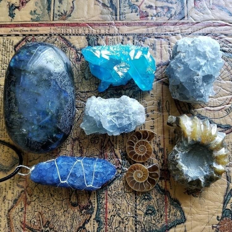 labradorite, quartz, auraquartz - tiareina | ello
