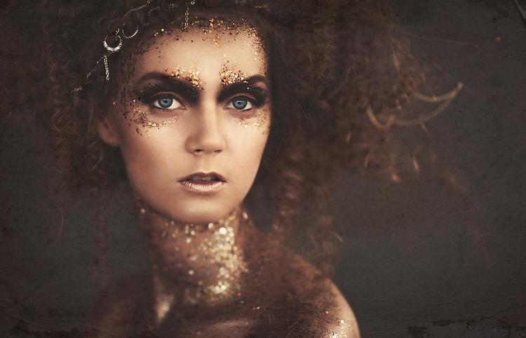 Emmi Hair/Makeup:Anni Jää Mode - darkbeautymag   ello