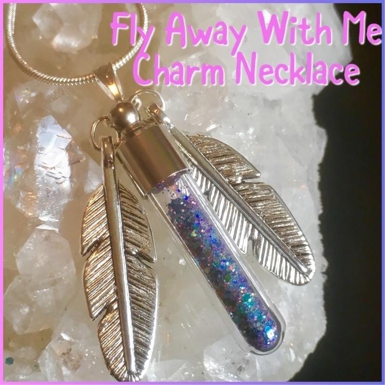 featherpendant, glitterjewellery - inolascharms | ello