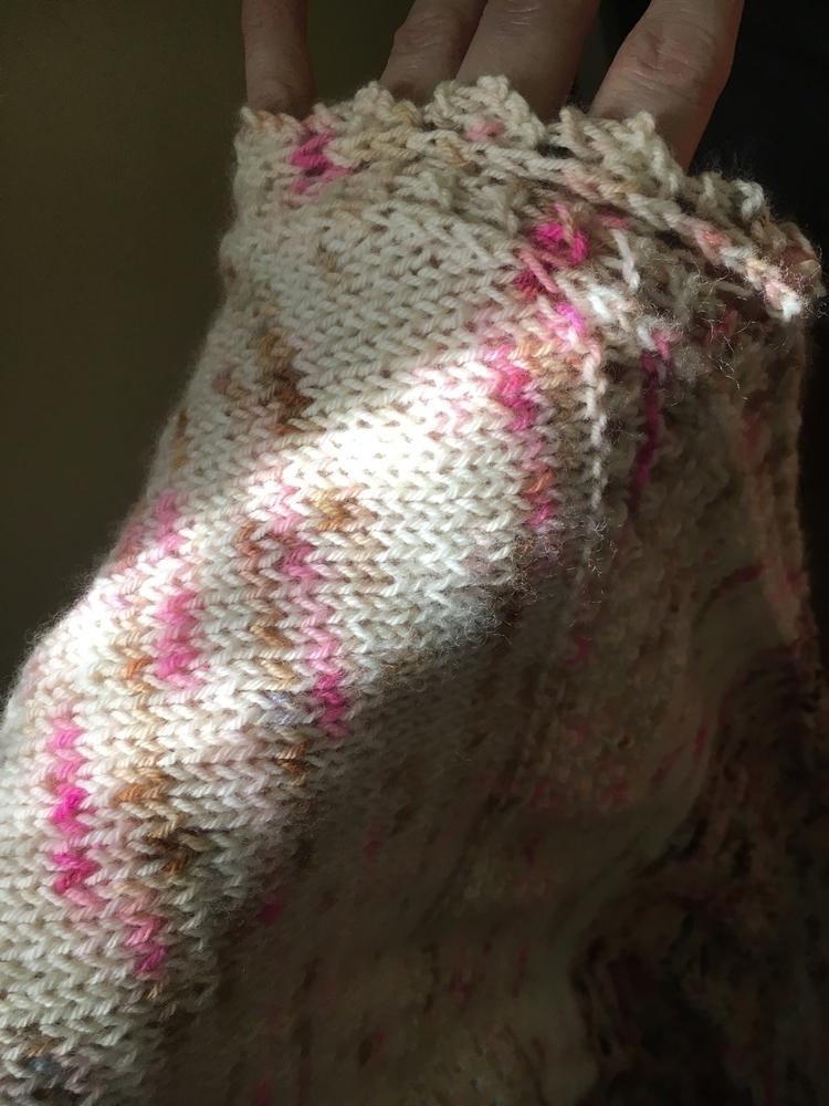Afternoon sunlight  - knitting, knitlife - citystitchette | ello