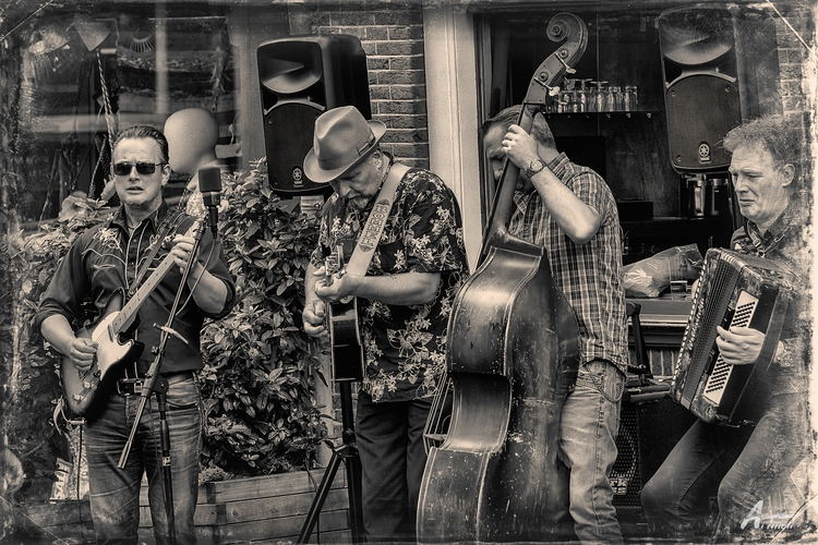 blues street - artmen | ello