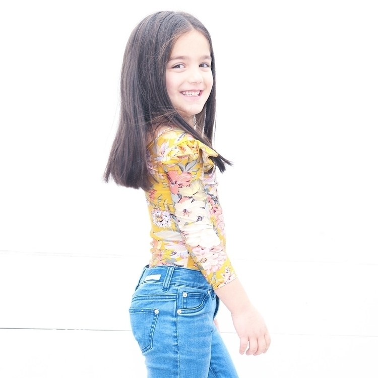 post gorgeous pic Chloe styled  - littleheartsco | ello