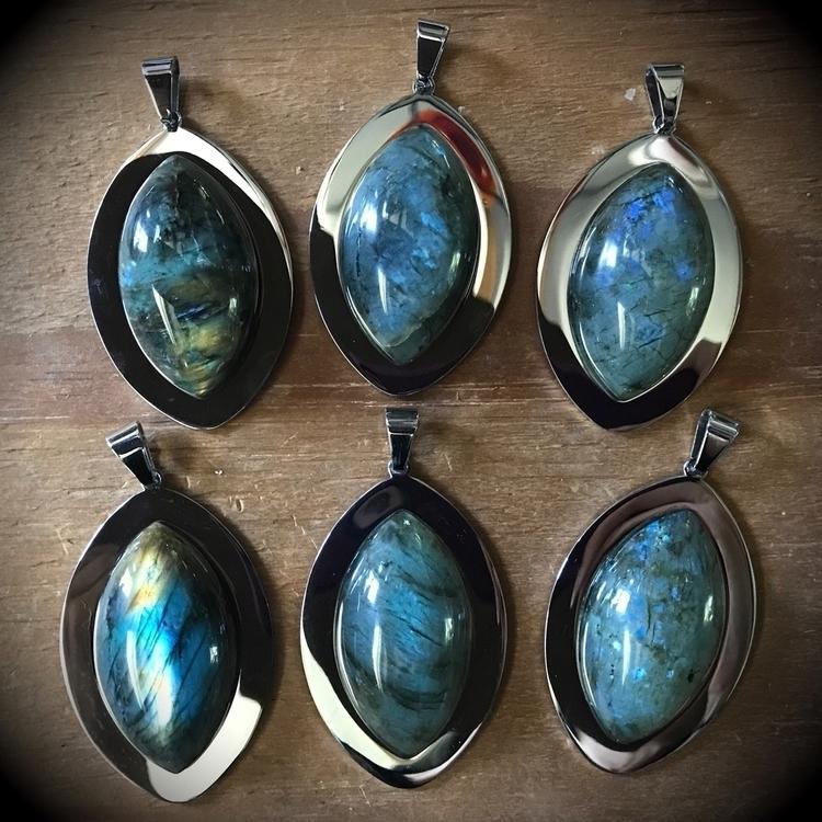 beauties website. Labradorite F - evil_pawn_jewelry | ello