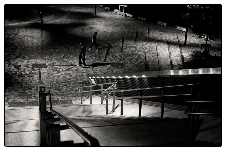 Title - PentaxK3II, bw, streetphotography - sselvejer | ello