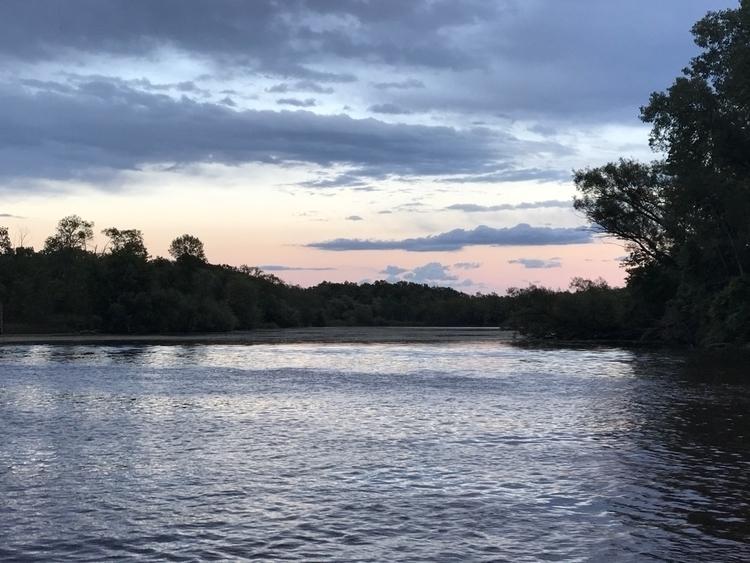 Milwaukee river Mequon - starmanri | ello