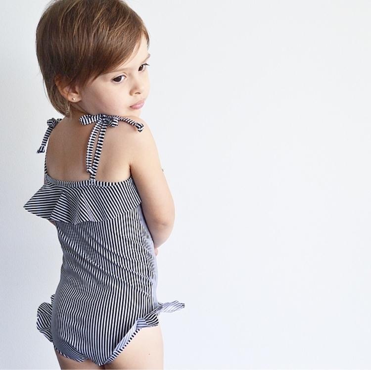 Sweet Chiara styled Black + Whi - littleheartsco | ello